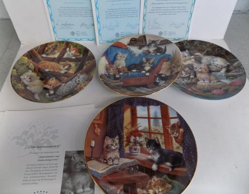 Set of 4 collector's plates - cat themed