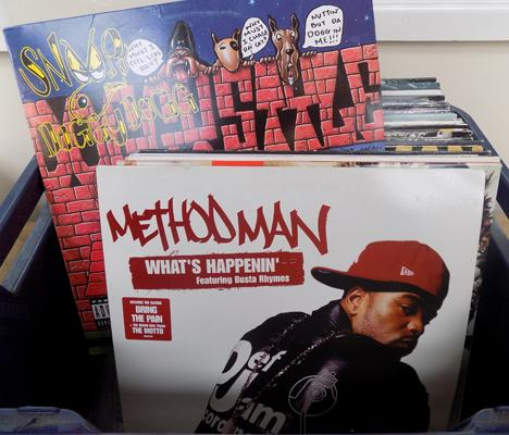 Set of 40 Hip Hop Rap records incl: Outcast, Snoop Dogg, Wu Tang Clan