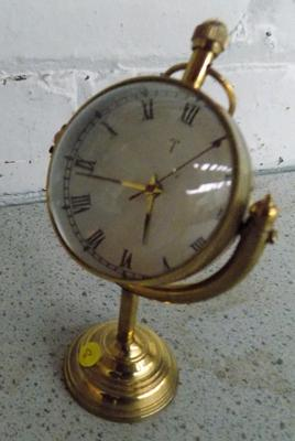 Vintage brass mantle clock - swivel headed