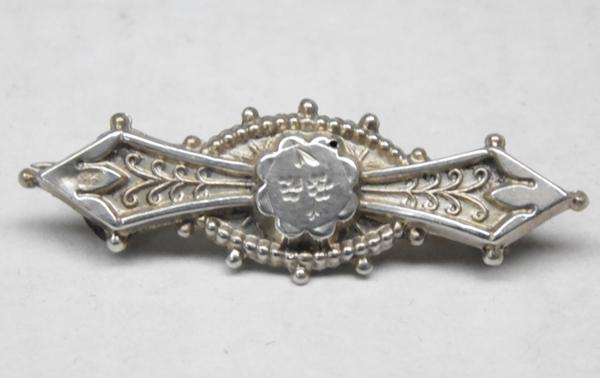 Antique silver Chester hallmarked brooch - c1902