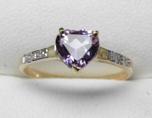 9ct Gold Diamond & Amethyst ring - size O