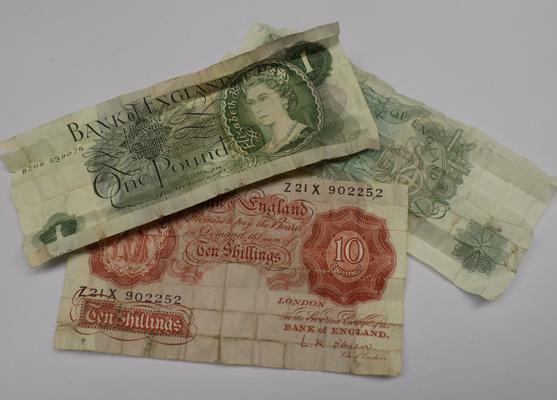 Selection of old notes incl: £1 notes and 10 shilling note