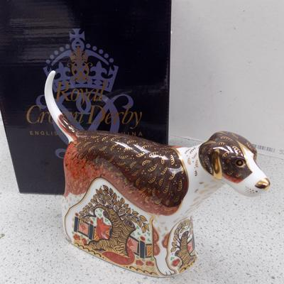 Royal Crown Derby foxhound paper weight with gold stopper