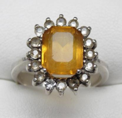 Silver and citrus stone ring - size approx O 1/2