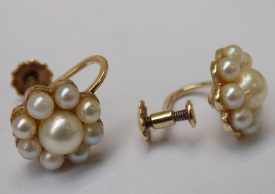 Pair of vintage 9ct gold and real pearl earrings with crew back