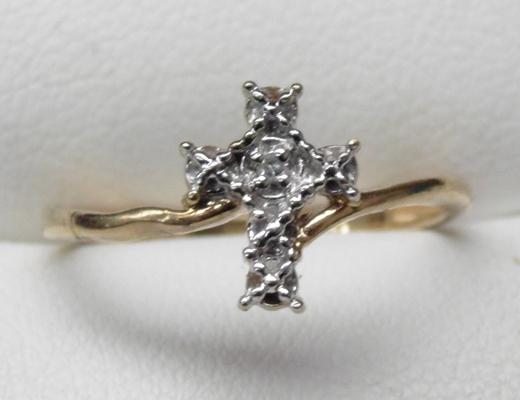 9ct gold and diamond cross ring - size M