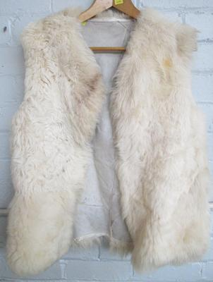 Cream fur gillet