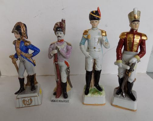 Selection of four Capodimonte figures in uniform ( 1 at fault)