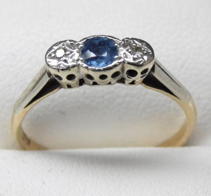 9ct Gold, Platinum, Sapphire & Diamond trilogy ring - Size P 1/2