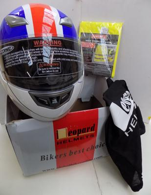 Motorbike helmet (brand new in box)