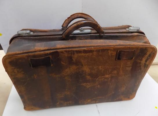 Large vintage leather bag/case