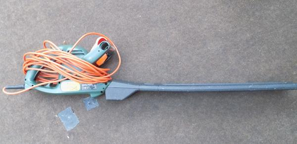 Black & Decker electric hedge trimmer in working order