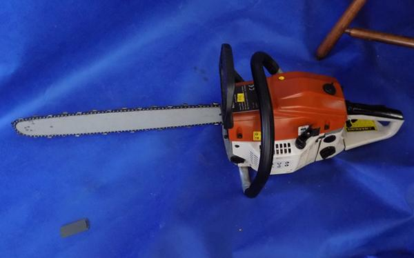 "20"" chainsaw - working order"
