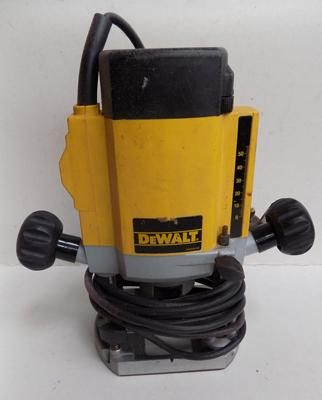 Dewalt Router - in working order