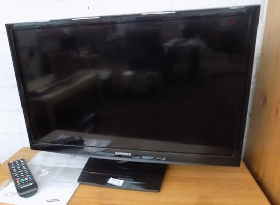 "Samsung 24"" TV in working order. with remote"