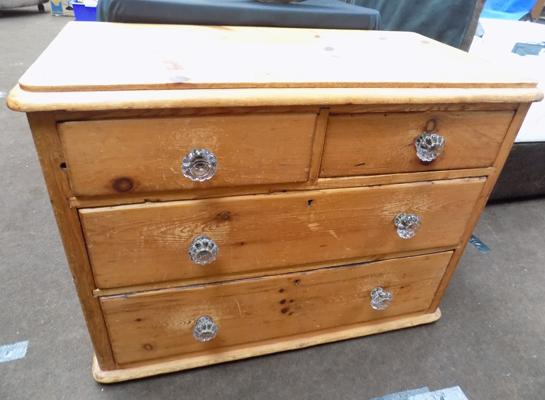 2 on 2 pine drawers