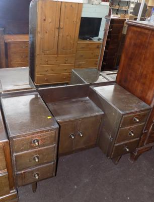 Vintage dressing table with mirrored back