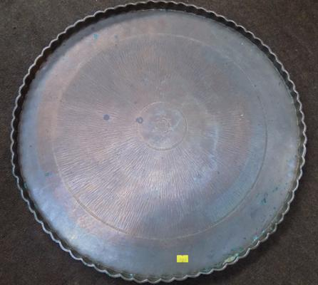 "Metal table top/wall hanging tray  (223"" diameter)"