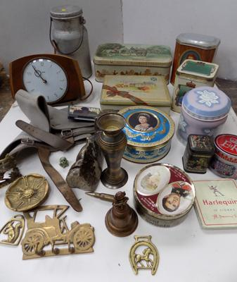 Box of mixed collectables including assorted vintage tins