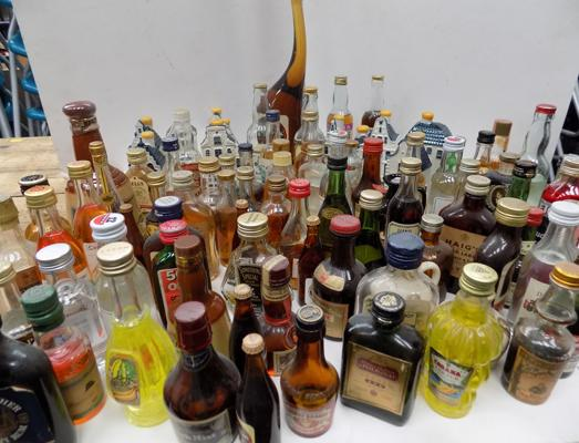 Large selection of miniatures and other Brewery items