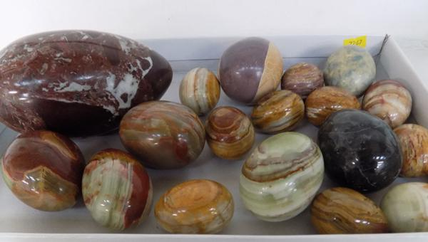 Selection of marble & onyx eggs