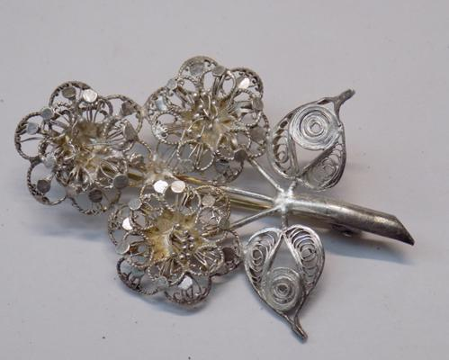 Filigree brooch-Blooming flowers