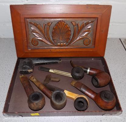 Collection of vintage smoking pipes & case