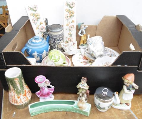 Box of collectables, including Sylvac, Royal Worcester etc...