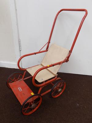 Triang 1950 dolls pushchair