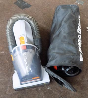 Black & Decker car vac & accessories in bag + 1 other