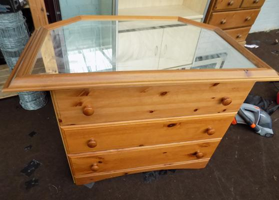 Pine chest of drawers + pine mirror