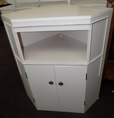 Corner cupboard 2 door /1 drawer