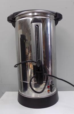 Hot water urn in working order