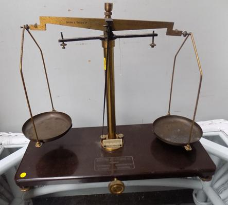 Griffin & Tatlock Ltd. vintage weighing scales