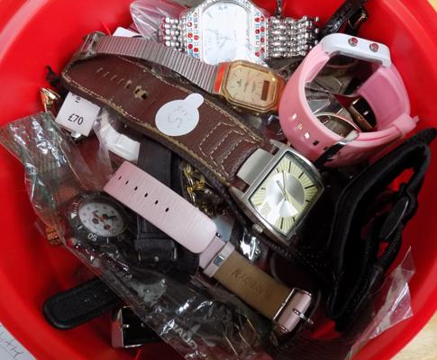 Tub of mixed watches & parts