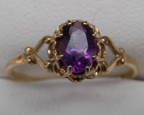 9ct Ring with amethyst fully hallmarked approx size N