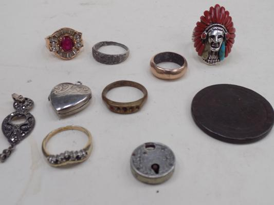 Selection of silver jewellery and others