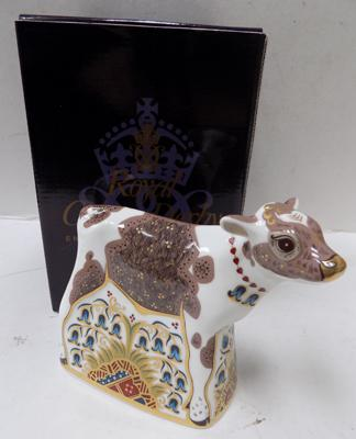 Royal Crown Derby calf paper weight - gold stopper