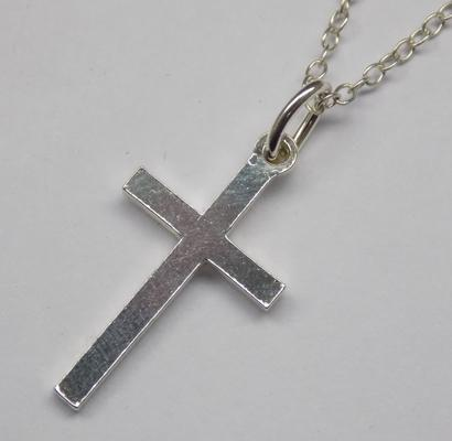 925 silver cross on silver chain - approx. 18""
