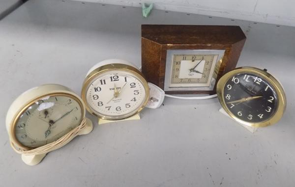 Selection of vintage clocks, incl. electric