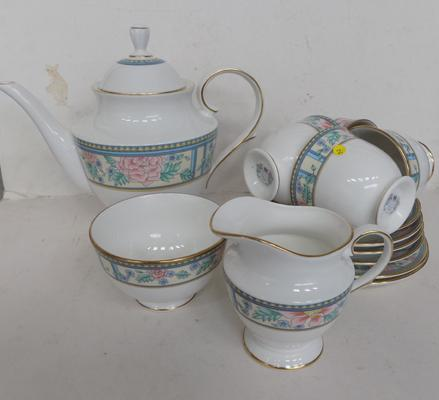 Royal Grafton tea-set