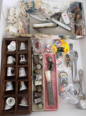 Vintage pen knives/thimbles/badges
