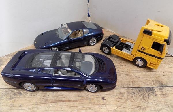 Two x 1/18 scale models, + 1  1-32 scale