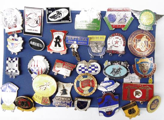 Good collection of vintage enamel Speedway badges, x 30