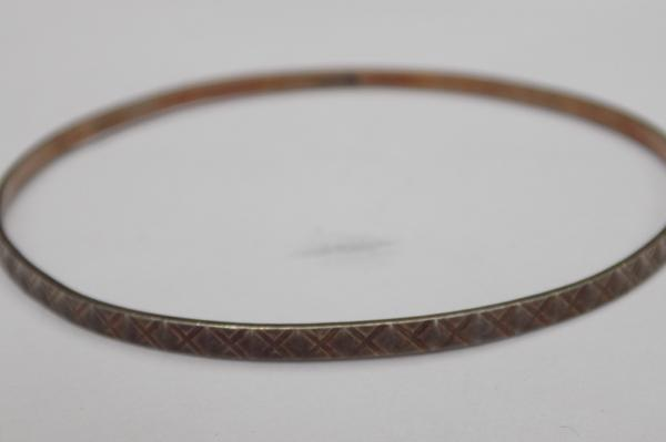 Vintage silver diamond cut patterned bangle