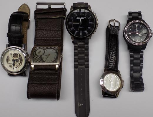 5x Gents watches inc Goer