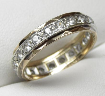 9ct gold white stone full eternity ring, size R 1/2