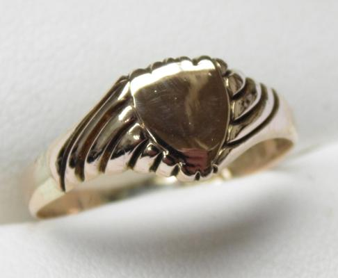 9ct gold signet ring, antique, 1907 Birmingham, size U 1/2