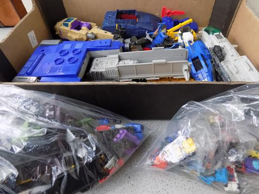 1989 Transformers Micromasters - 32 minis, others and paperwork