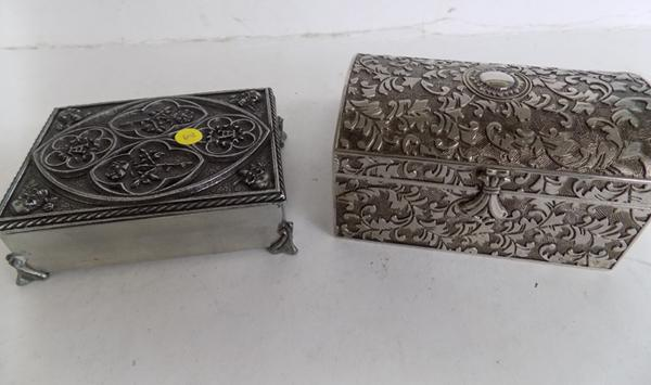Gothic card case inc cards & trinket box